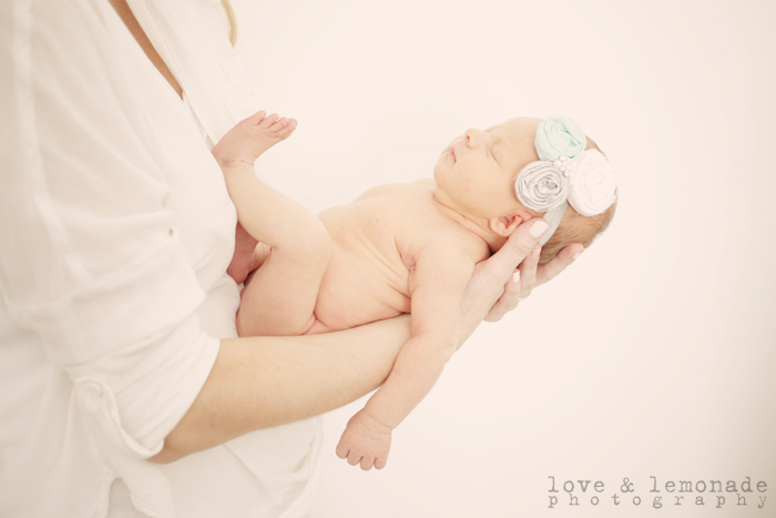 NEWBORN BABY PHOTOS: BABY TAYLOR